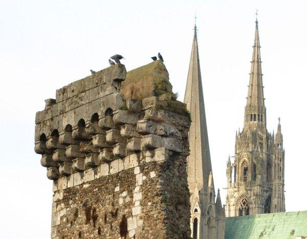 Mâchicoulis de la porte Guillaume à Chartres