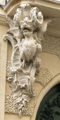 Console à corps de chimère de l'Hôtel Chenizot à Paris