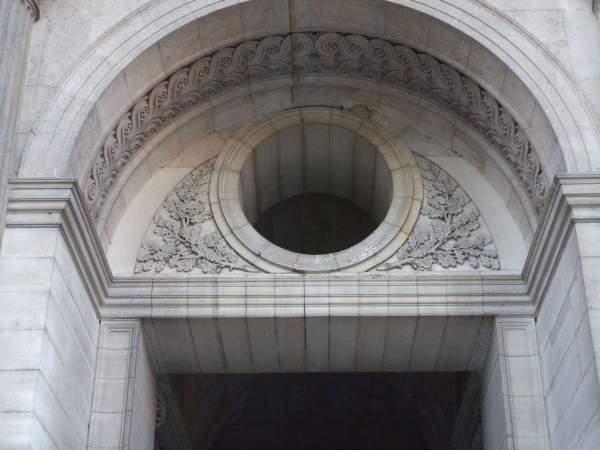 Louvre, pavillon de l'Horloge, plate-bande en fausse-coupe de Lemercier
